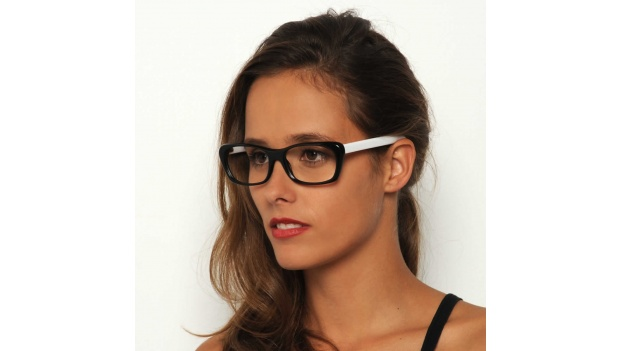 Black and White Cat Eye Frame