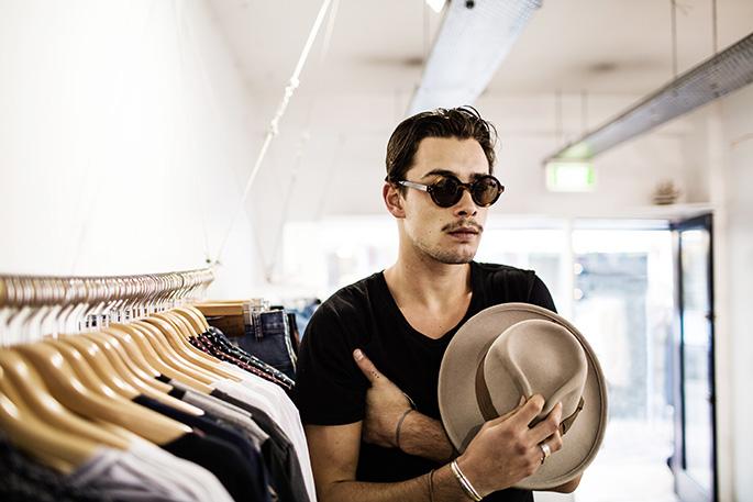 jai-wearing-round-sunglasses
